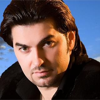 Sowar Al Hassan est un chanteur syrien.